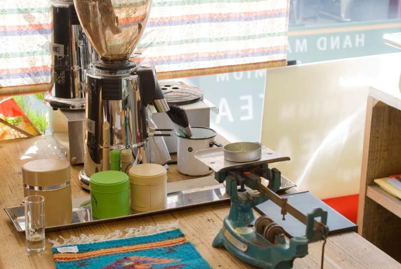 エスプレッソに関連する道具も、マシンに見合ったものをセレクト